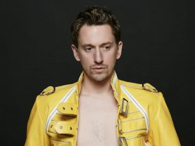 Who is John Robins Dating? Everything About Comedian's Love Life
